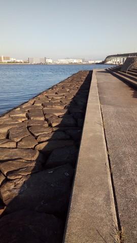 シーバスの釣り場 神戸 甲子園浜 サーファーエリア石畳2