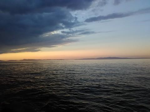夕まずめの時間帯の空 画像
