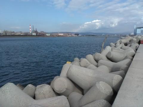 和歌山の太刀魚ポイント 青岸 テトラ