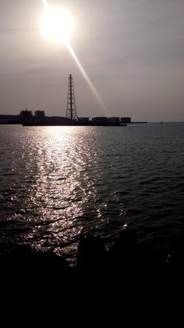深日港からみた火力発電所